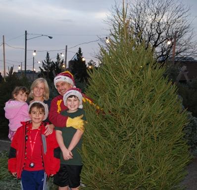 ABGC_Christmas_Tree,_12-2-12A
